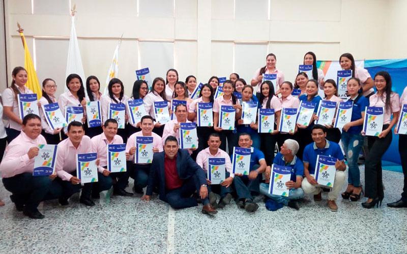 Ceremonia de graduación certificación en competencias laborales.